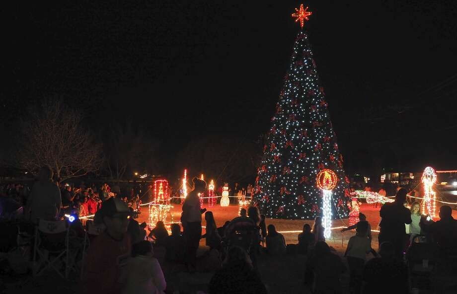 Crowds gather 12/02/17 at Wadley Barron Park for the annual City of Midland Christmas Tree Lighting. Tim Fischer/Reporter-Telegram Photo: Tim Fischer/Midland Reporter-Telegram