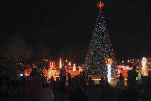 Crowds gather 12/02/17 at Wadley Barron Park for the annual City of Midland Christmas Tree Lighting. Tim Fischer/Reporter-Telegram