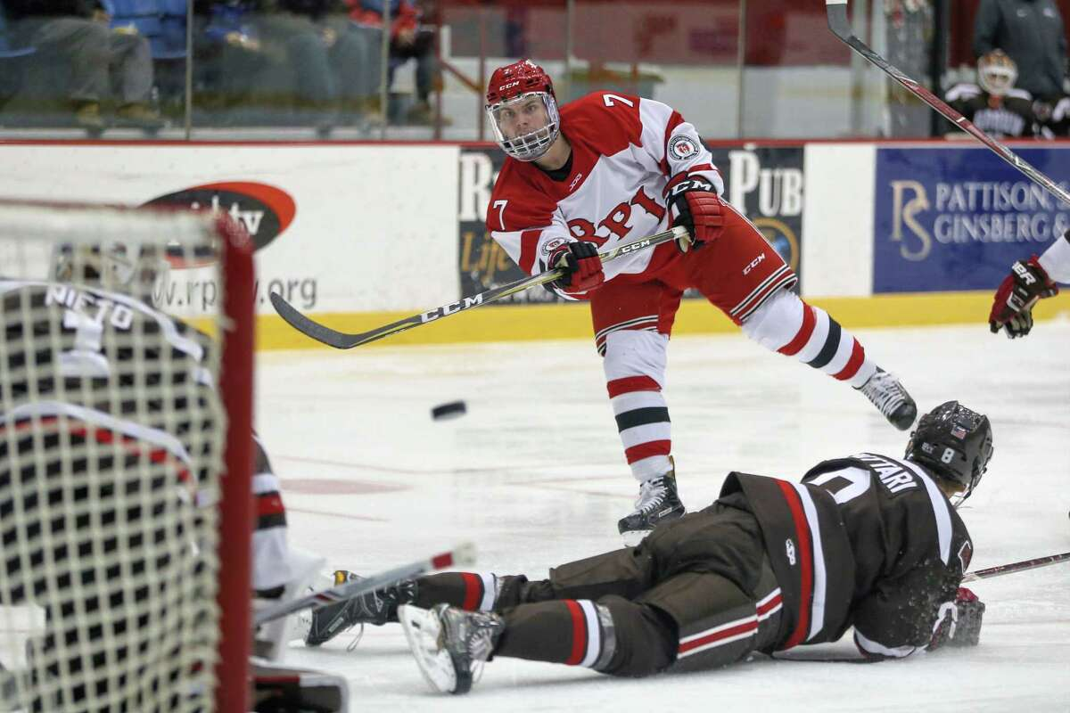 Troy York #7Êof The RPI Engineers with a shot on goal against the The Brown Bears on 12/2/17 at Houston Field House, Troy NY. Photo Robert Dungan (Special to the Time Union) ORG XMIT: MER2017082023255053