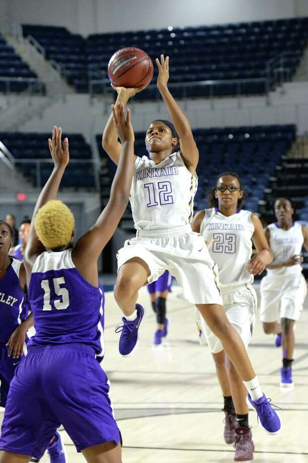 Nakeeya McCardell (12) of Kinkaid makes a shot during the second quarter of the championship game in the Houston ISD Varsity Girls Tournament between the Kinkaid Falcons and the Wheatley Wildcats on Saturday December 2, 2017 at Delmar Fieldhouse, Houston, TX. Photo: Craig Moseley, Staff / ©2017 Houston Chronicle