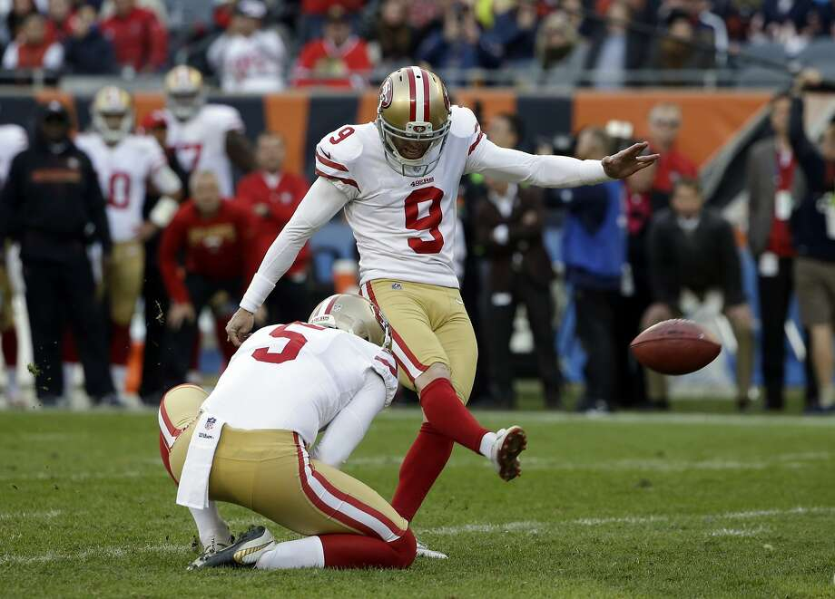 Robbie Gould kicks the game-winning field goal from with 4 seconds left in the game. It was the second five field goal game of the season for Gould, who played 11 seasons with Chicago. Photo: Nam Y. Huh, Associated Press