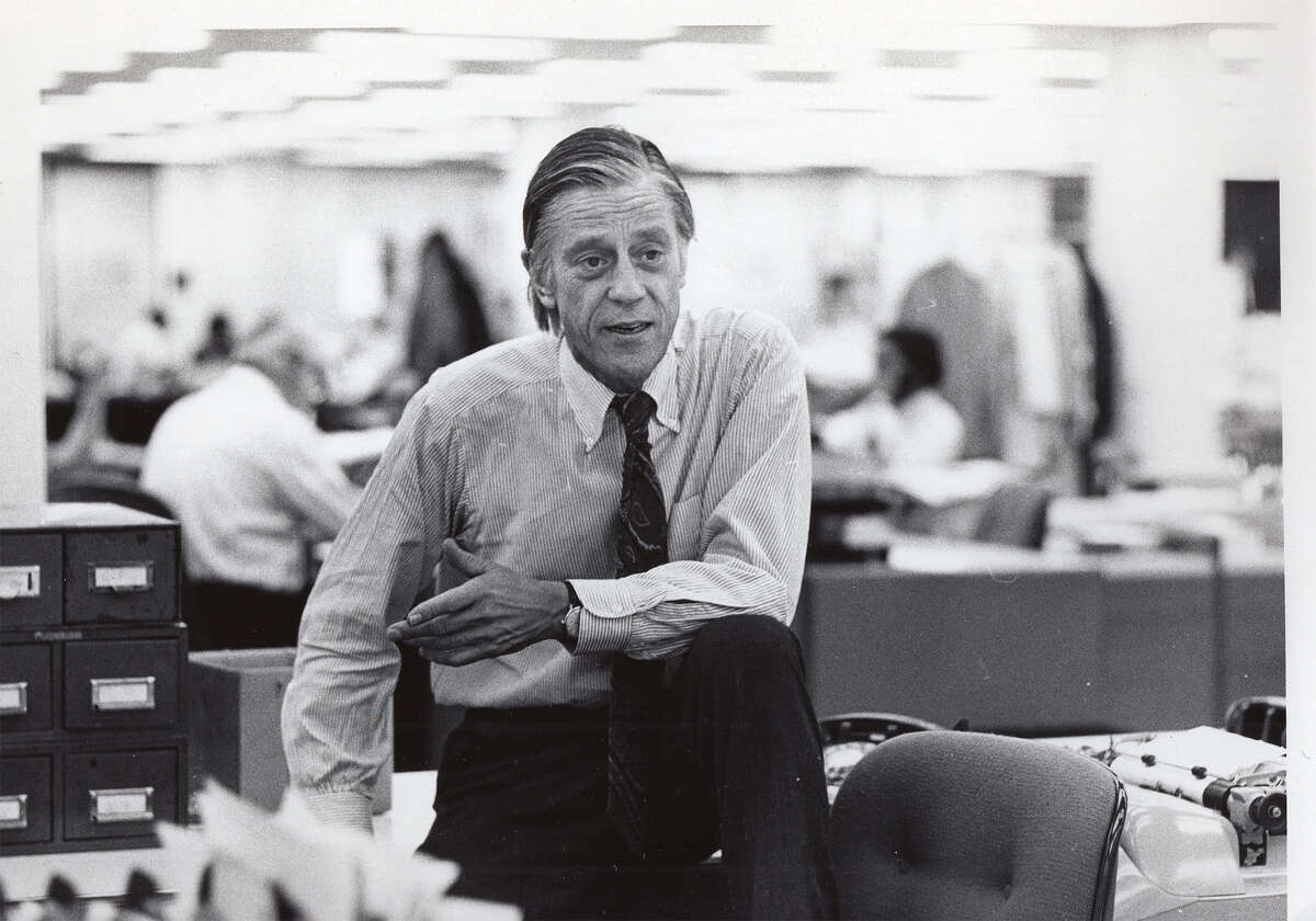 As Washington Post executive editor from 1968-91, Ben Bradlee was largely credited with taking down President Richard Nixon in 1974 after the Post broke the Watergate story and exposed the largest political scandal in American history. Told primarily in Bradlee?'s own words, The Newspaperman: The Life and Times of Ben Bradlee is an intimate portrait of this formidable man, tracing his remarkable ascent from a young Boston boy stricken with polio to one of the most pioneering and consequential journalistic figures of the 20th century.