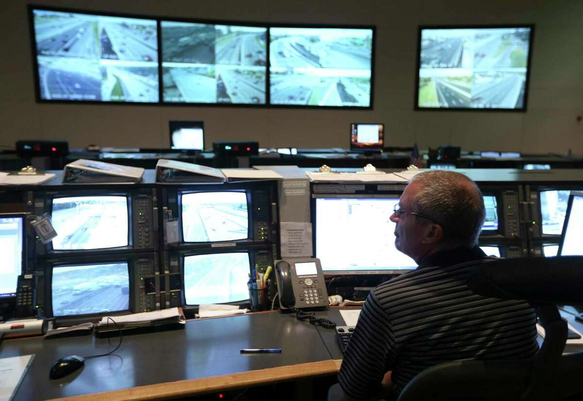 Integrated Transportation System support analyst Don Deaton works in the Trans-Guide control center in this 2017 file photo. Starting Monday, work crews will force detours of eastbound traffic on Interstate 10 between Loop 410 and Loop 1604.