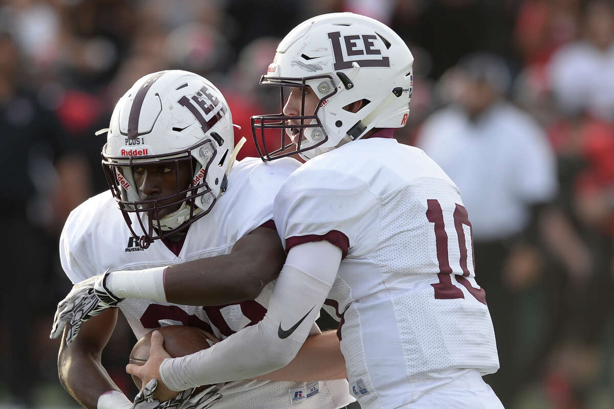 2. LEE FOOTBALL MAKES MEMORABLE RUN Picked in the preseason to finish sixth in District 2-6A by Dave Campbell's Texas Football, the Lee football team wasted no time proving doubters wrong in 2017.