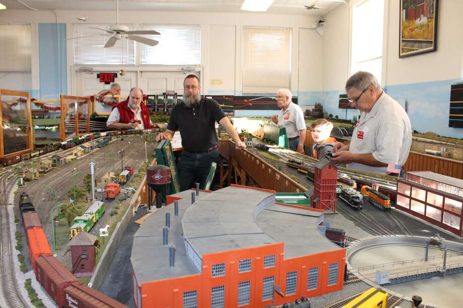 The Metro East Model Railroad Club hosted its second of four holiday open houses on Saturday. The club operates its HO scale layout at the old Glen Carbon firehouse/city hall at 180 Summit St. in Old Town Glen Carbon. Open houses, which are free to attend and always include snacks, are also scheduled from 10 a.m. to 3 p.m. on Dec. 16 and Dec. 30. Photo: Bill Tucker • Btucker@edwpub.net