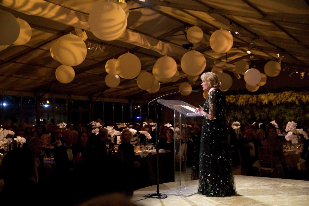 """Honoree Louisa Stude Sarofim speaks to guests at """"Luminous,"""" the Menil Collection's 30th Anniversary Ball."""