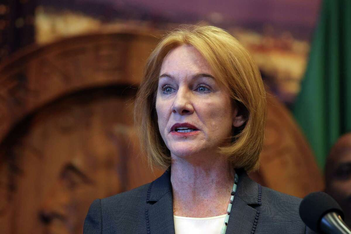 Seattle mayor Jenny Durkan announces the search for a new Chief of Police as Kathleen O'Toole steps down from the position she has held for three and a half years, December 4, 2017 at City Hall. Deputy Chief Carmen Best, left, will become interim chief beginning January 1.
