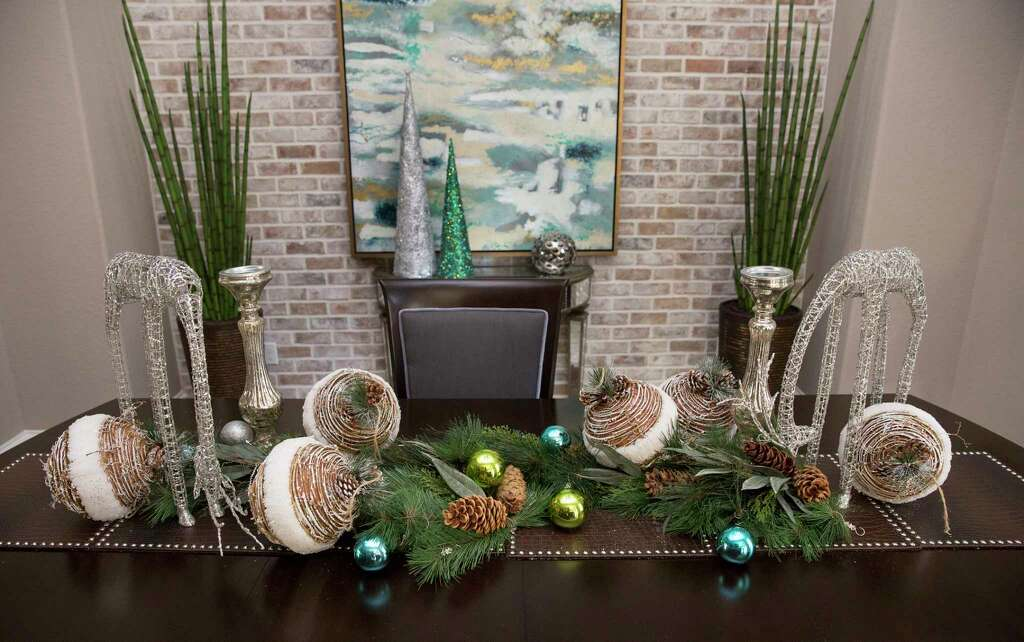 920x920 Third Ward home tour offers glimpse of many holiday-décor styles