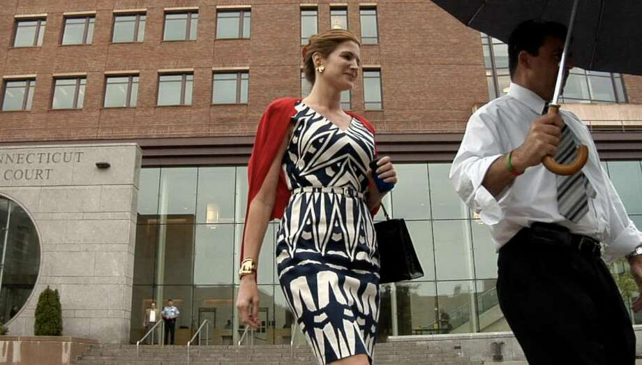 Stephanie Seymour leaves Superior Court at Stamford Monday June 28, 2010 after a hearing in connection to divorce of her husband Peter Brant. Photo: Douglas Healey, ST / Stamford Advocate Freelance