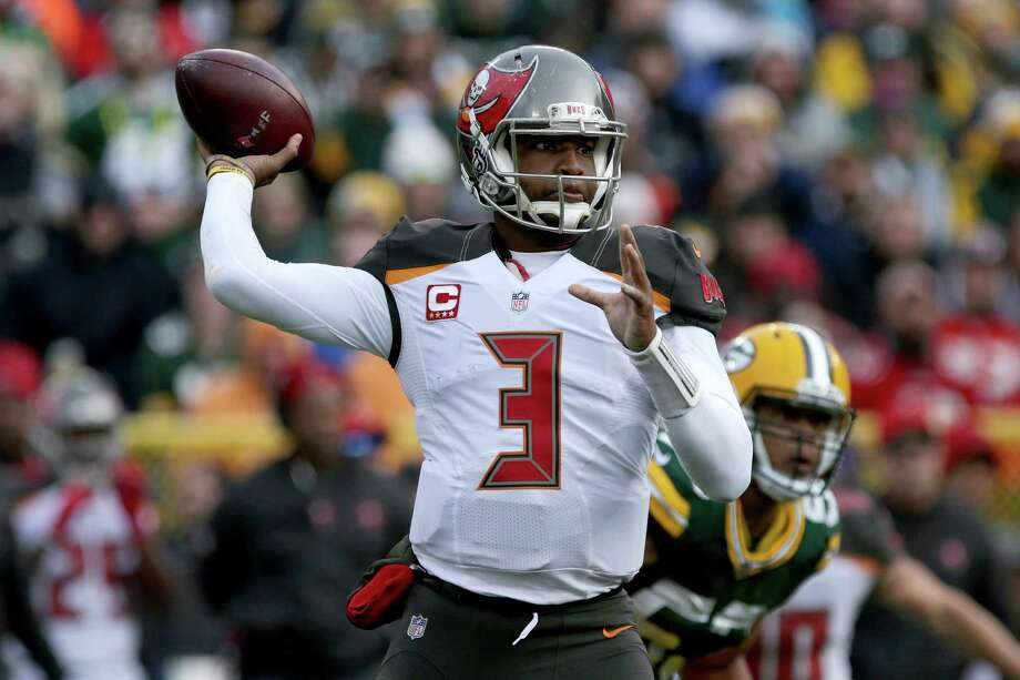 GREEN BAY, WI - DECEMBER 03:  Jameis Winston #3 of the Tampa Bay Buccaneers throws a pass in the second quarter against the Green Bay Packers at Lambeau Field on December 3, 2017 in Green Bay, Wisconsin. Photo: Dylan Buell, Getty Images / 2017 Getty Images