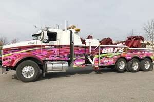 The state tow-truck industry wants higher rates for hauling cars involved in police incidents.