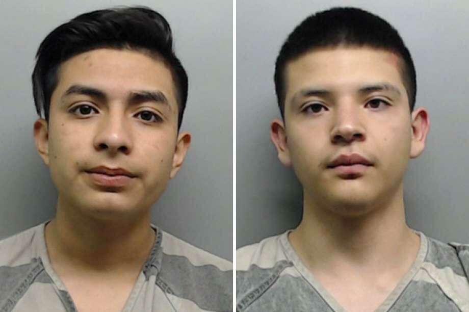 Kevin Ángel Reyna, de 19 años de edad y Jaime González, de 18 años de edad, recibieron órdenes de arresto el viernes. Cada uno se enfrenta a 10 cargos por vandalismo. Photo: Oficina Del Alguacil Del Condado De Webb