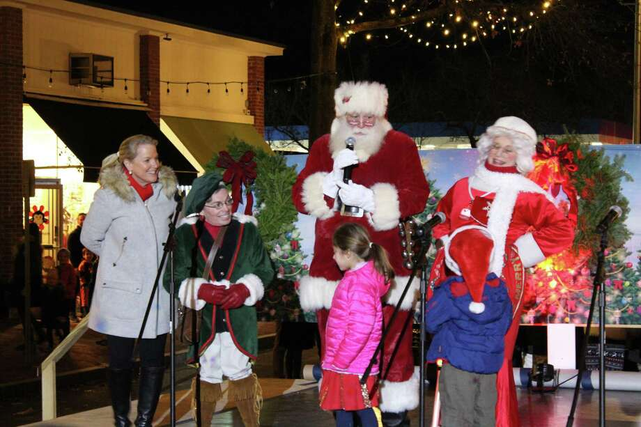 Santa Claus and Mrs. Claus made an appearance at the Holiday Stroll on Dec. 1, 2017. Photo: Humberto J. Rocha / Hearst Connecticut Media