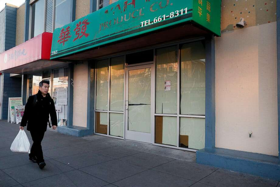 A marijuana dispensary is planned for this Irving Street location in the Outer Sunset after at 10-1 vote by the supervisors. Photo: Carlos Avila Gonzalez, The Chronicle