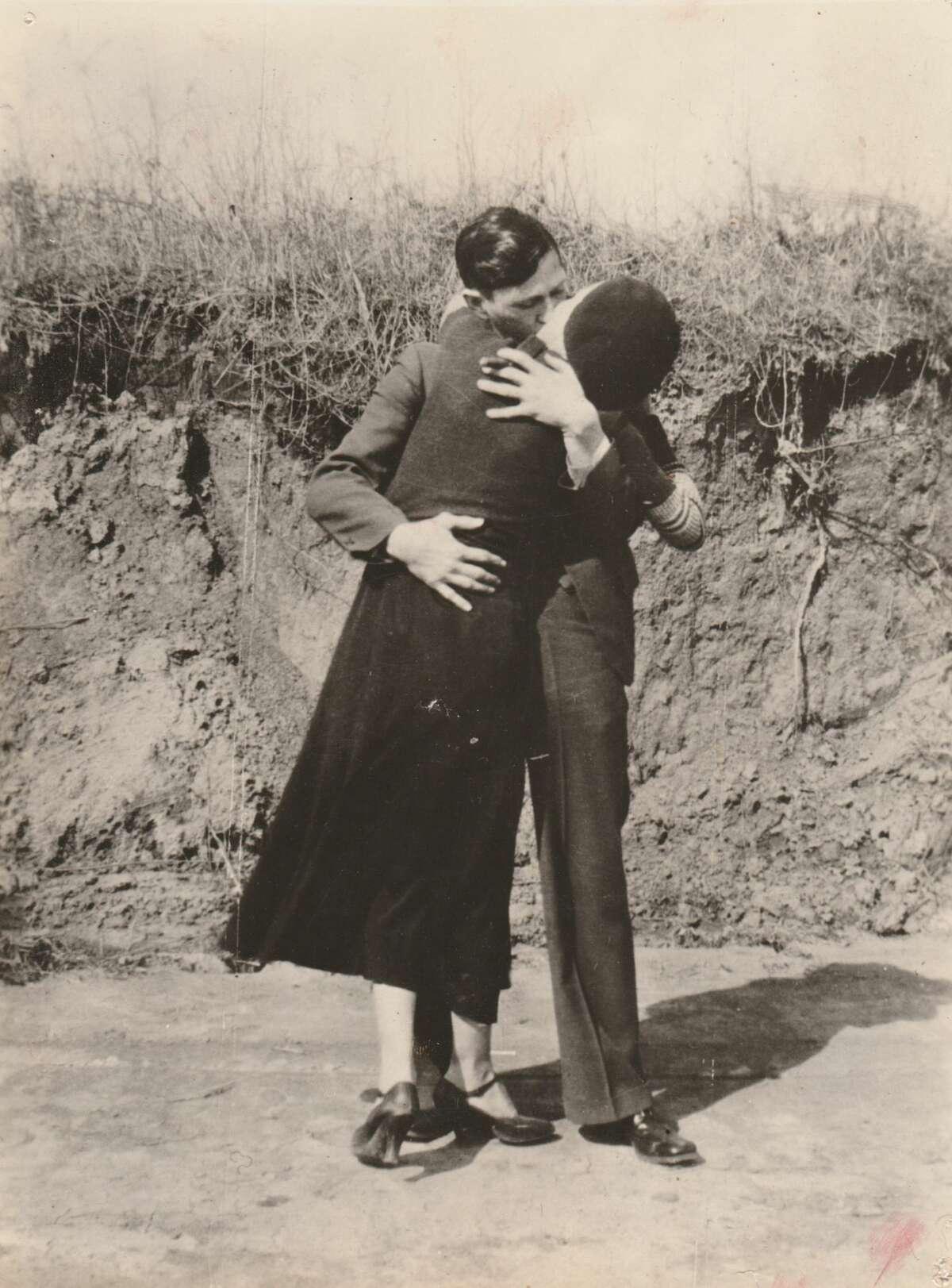 Bonnie & Clyde, Kissing & Embracing, 1933, Courtesy PDNB Gallery, Dallas, TX