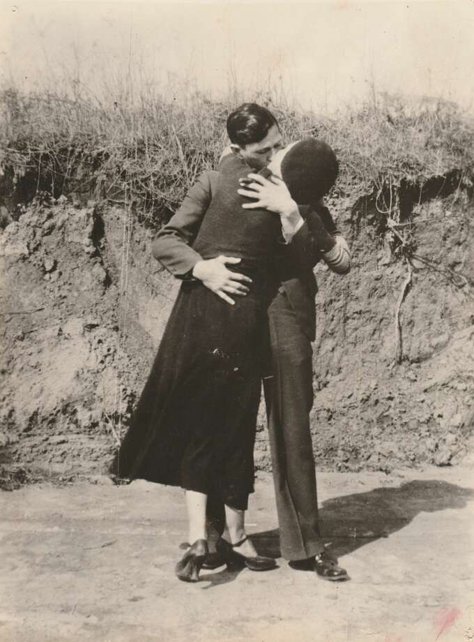 Bonnie & Clyde, Kissing & Embracing, 1933,  Courtesy PDNB Gallery, Dallas, TX Photo: Courtesy PDNB Gallery, Dallas, TX