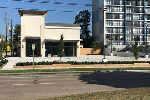 Verizon Wireless has leased a 3,000-square-foot building at 5440 Memorial Drive on the site of the former Pollo Bravo restaurant.