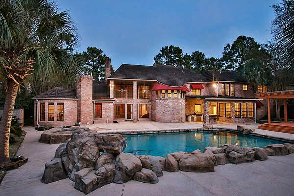 Houston Rockets legend Hakeem Olajuwon former lived at 2902 Pine Lake Trail and the home is on the market for $595,000.