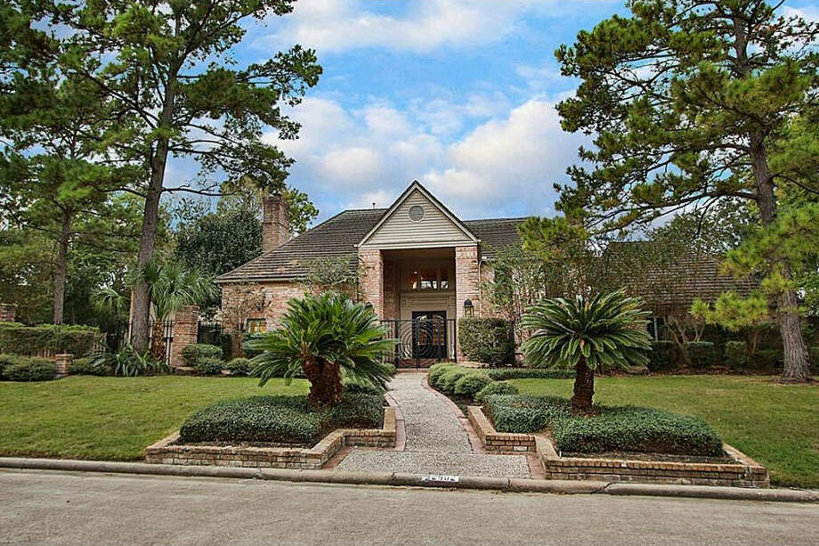 Houston Rockets legend Hakeem Olajuwon former lived at 2902 Pine Lake Trail and the home is on the market for $595,000. Photo: Ryan And Royale Jockers Of Better Homes And Gardens Real Estate