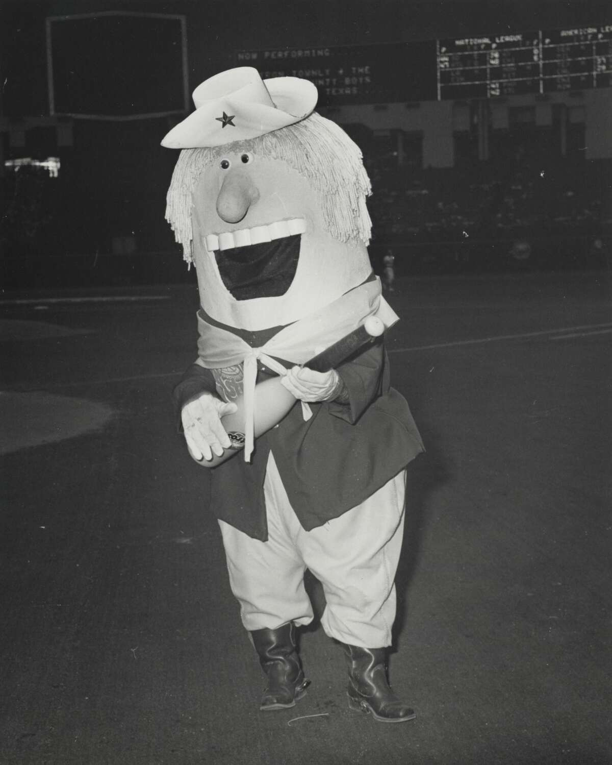 Houston Astros mascot Chester Charge, actually Reed Robinson, cheered the Astros from 1977 until 1979.