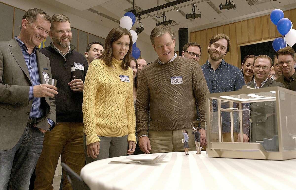 Kristen Wiig and Matt Damon star in