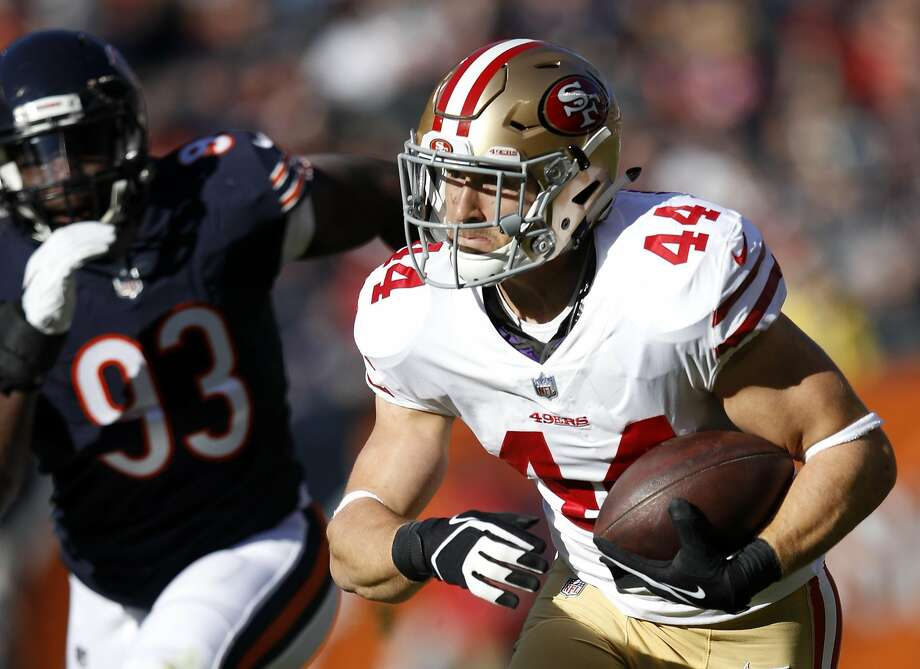 CHICAGO, IL - DECEMBER 03:   Kyle Juszczyk #44 of the San Francisco 49ers carries the football in the first quarter against the Chicago Bears at Soldier Field on December 3, 2017 in Chicago, Illinois.  (Photo by Joe Robbins/Getty Images) Photo: Joe Robbins, Getty Images