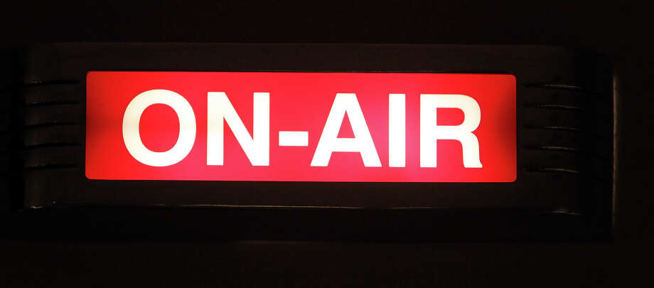 FOR SALIFE - The ON-AIR sign is lit during the Super Soul Saturday radio show Saturday Feb. 27, 2009 at the KRTU studio on the Trinity University campus. (PHOTO BY EDWARD A. ORNELAS/eaornelas@express-news.net) Photo: EDWARD A. ORNELAS, SAN ANTONIO EXPRESS-NEWS / eaornelas@express-news.net