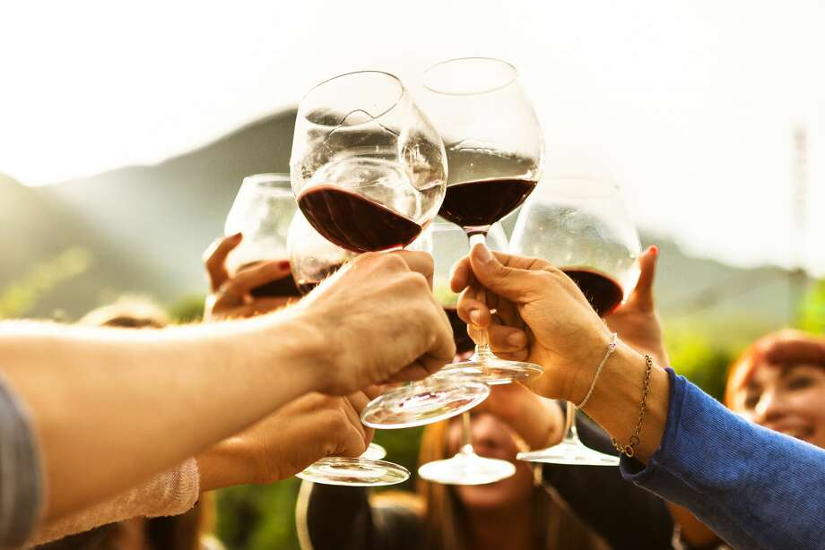The Soroptimist International Club of Plainview will host its annual wine tasting event on Feb. 3 at Centennial Bank in Plainview. Photo: Franckreporter/Getty Images