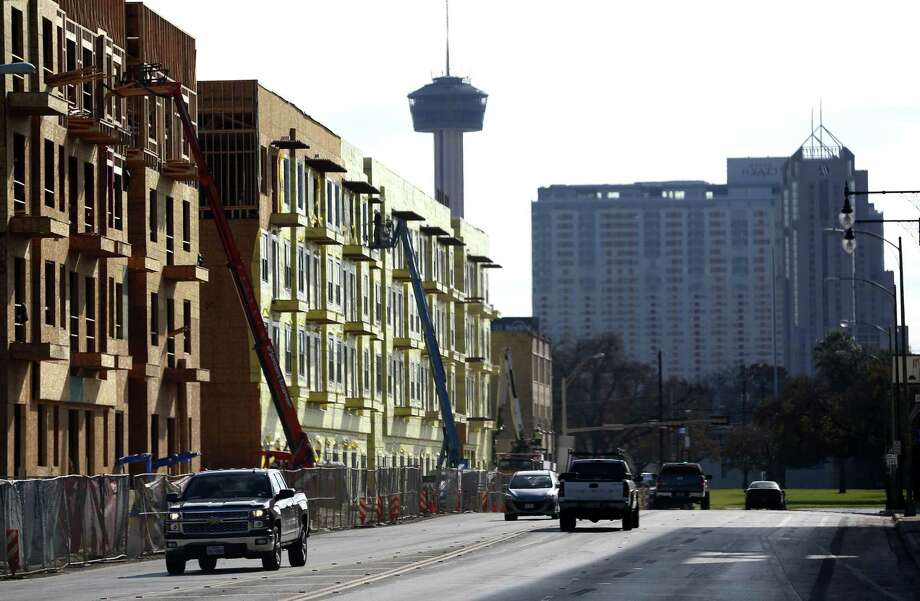 San Antonio's median rent continues increasing at a sharper rate than the median rents in Houston, Dallas or Texas as a whole. It's also rising more dramatically than the national median, new census numbers show. Photo: Express-News File Photo / © 2016 San Antonio Express-News