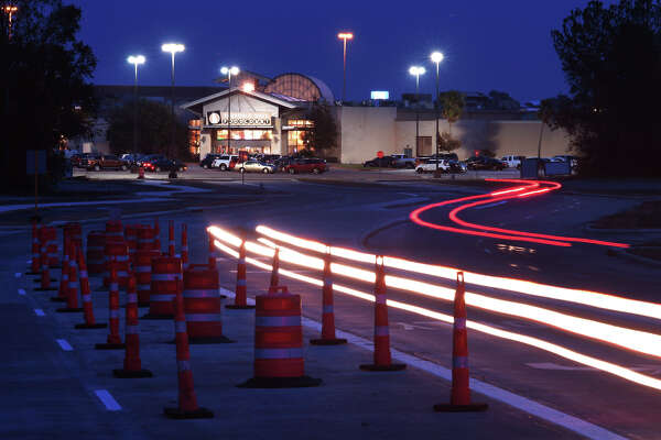 Northwest Parkway connecting Parkdale Mall to Old Dowlen was opened early Tuesday morning. The small stretch of road is designed to ease congestion around the mall and is the first section of road that will eventually extend to Major Drive. Construction to Major Drive is ongoing.  Photo taken Tuesday, November 21, 2017  Guiseppe Barranco/The Enterprise