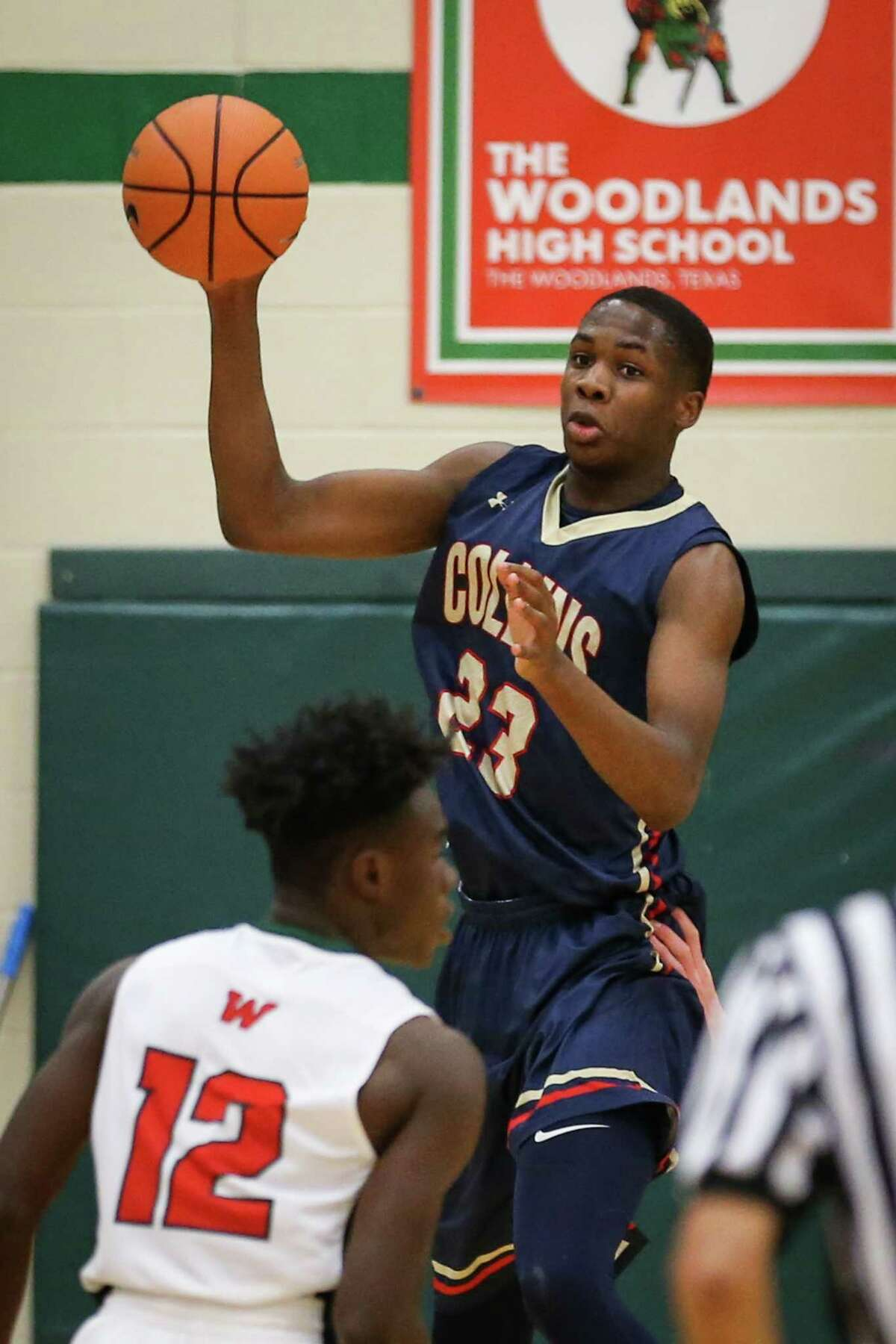 Klein Collins' Montaviou Murphy (23) catches a pass during the high school boys basketball game against The Woodlands on Monday, Dec. 4, 2017, at The Woodlands High School. (Michael Minasi / Houston Chronicle)