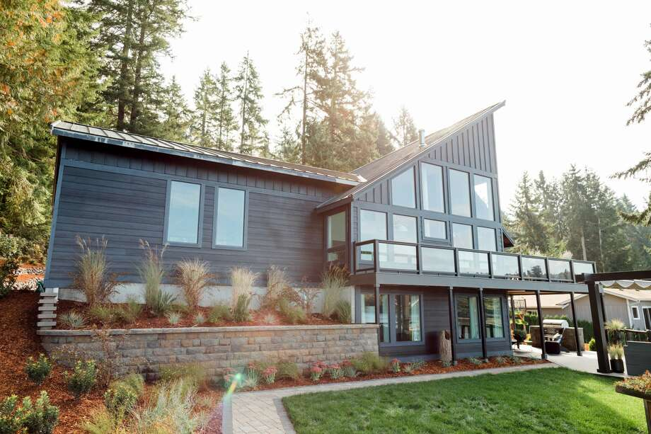 HGTV Dream Home 2018 in Gig Harbor, Washington. Photo: Robert Peterson, Rustic White Ph