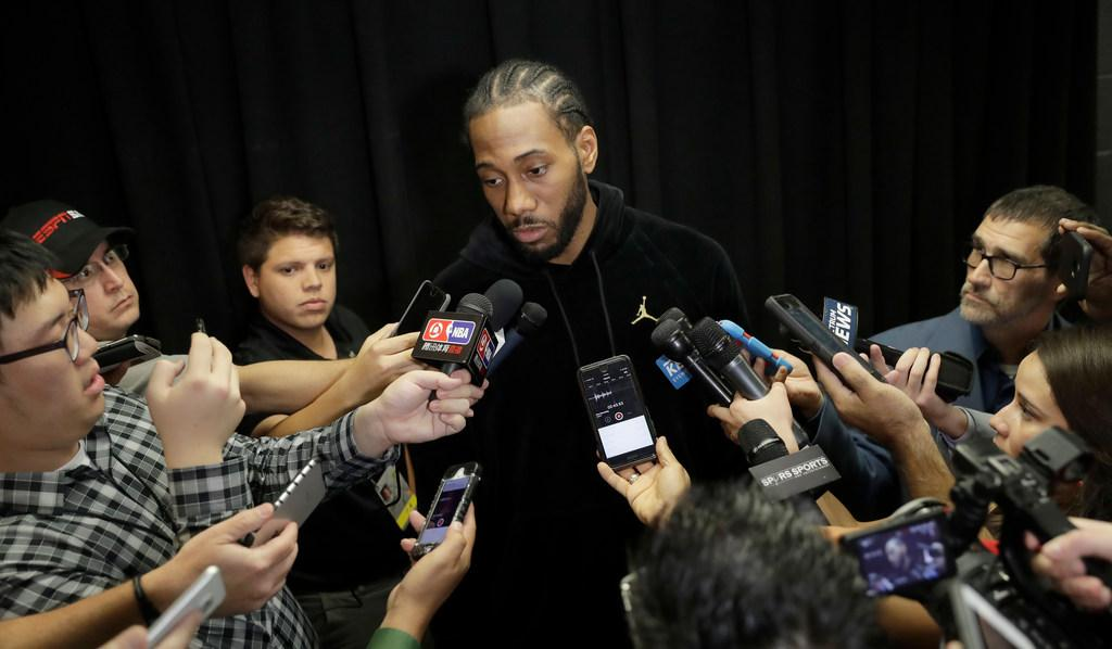 (Young) Kawhi Leonard planning to make season debut Saturday against the Suns