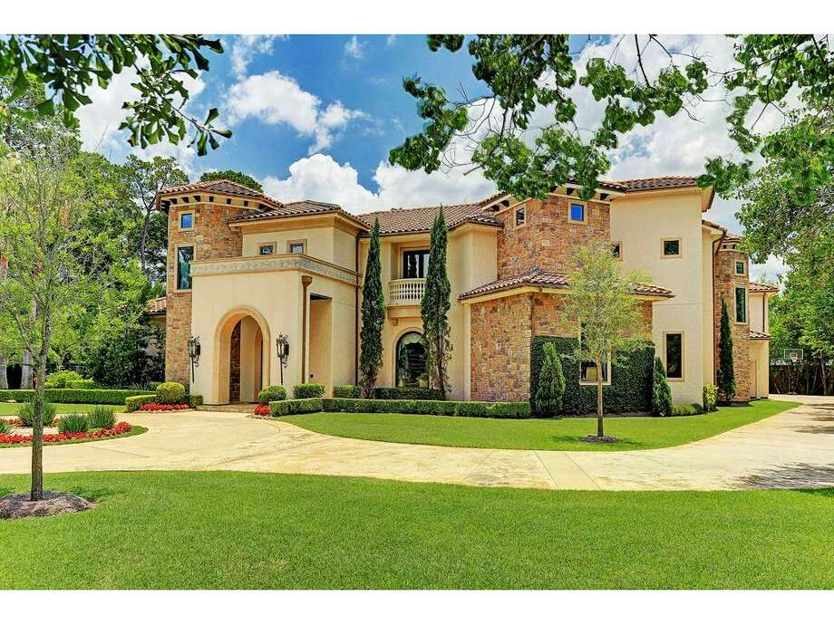 1 Maggie Lane in Memorial VillagesSold: Nov. 17, 2017Sold price range: $3. 83 to $4.418 million Photo: Houston Association Of Realtors