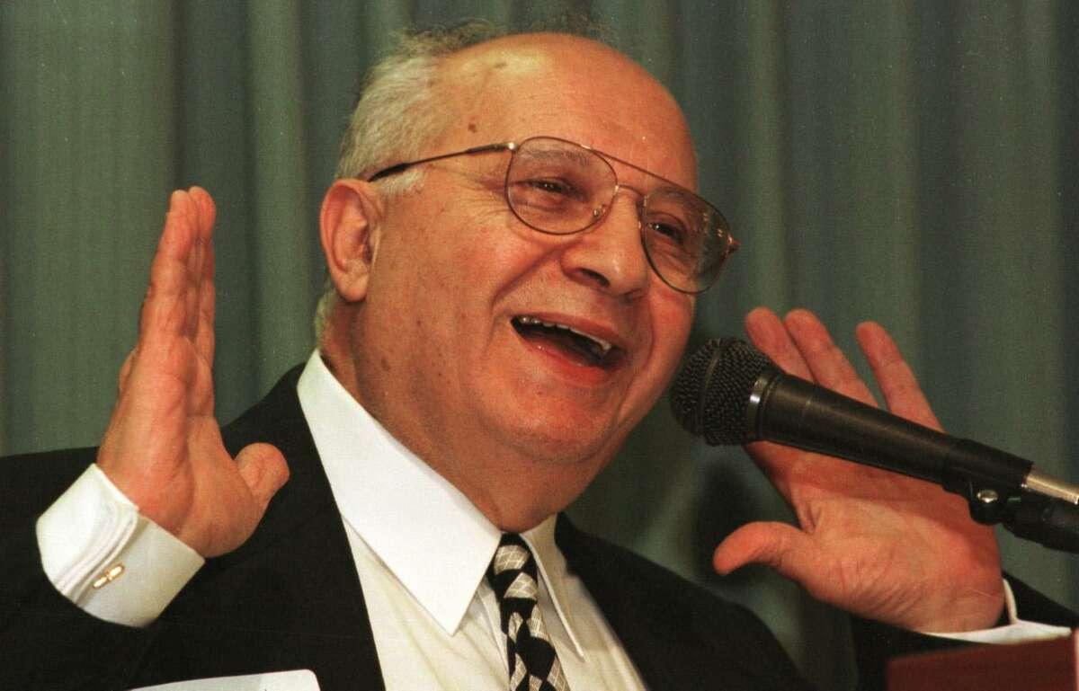 Former Norwalk Mayor Frank Esposito at the Norwalk Inn & Conference Center in July 1997.