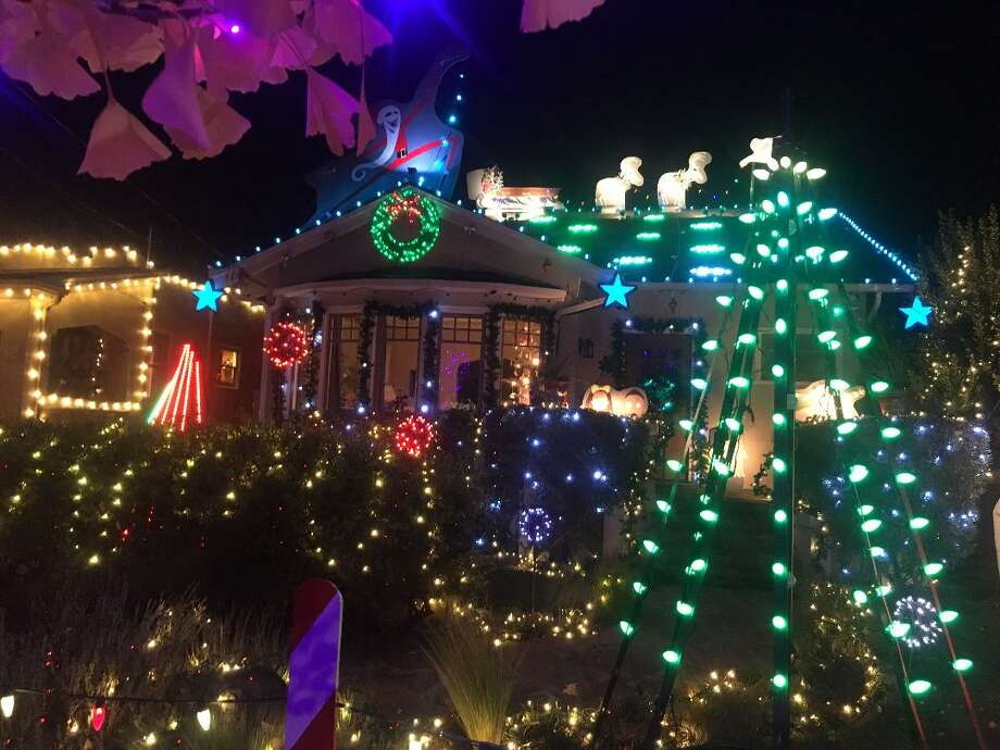 click through this slideshow to see the best bay area neighborhoods for holiday lights3200 - Bay Area Christmas Lights