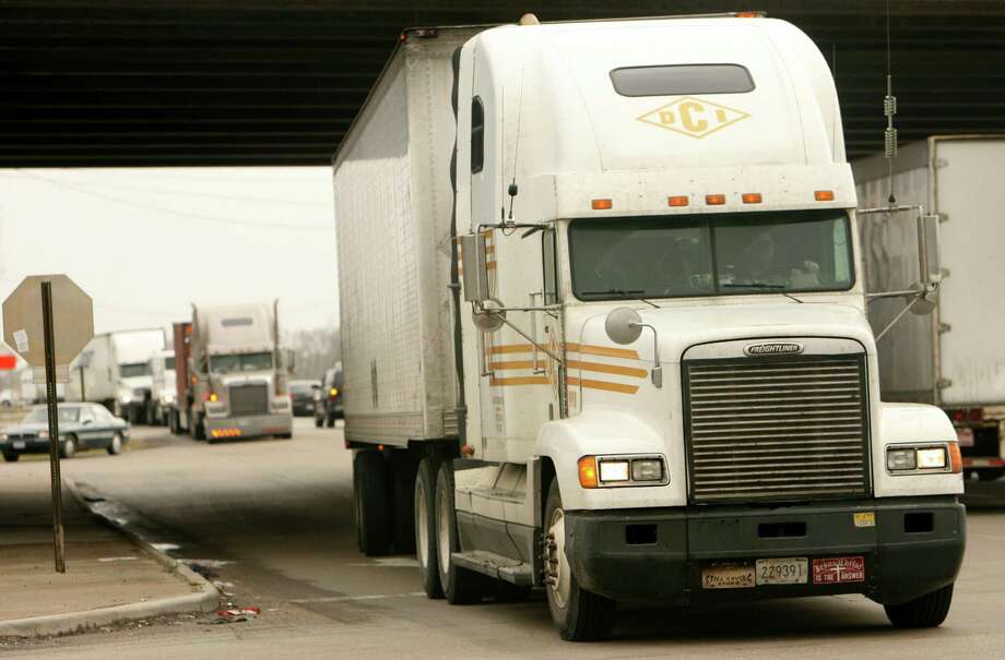 In Texas, over 82 percent of communities rely exclusively on trucks to transport their goods. Photo: Sharon Steinmann /Houston Chronicle / Sharon Steinmann