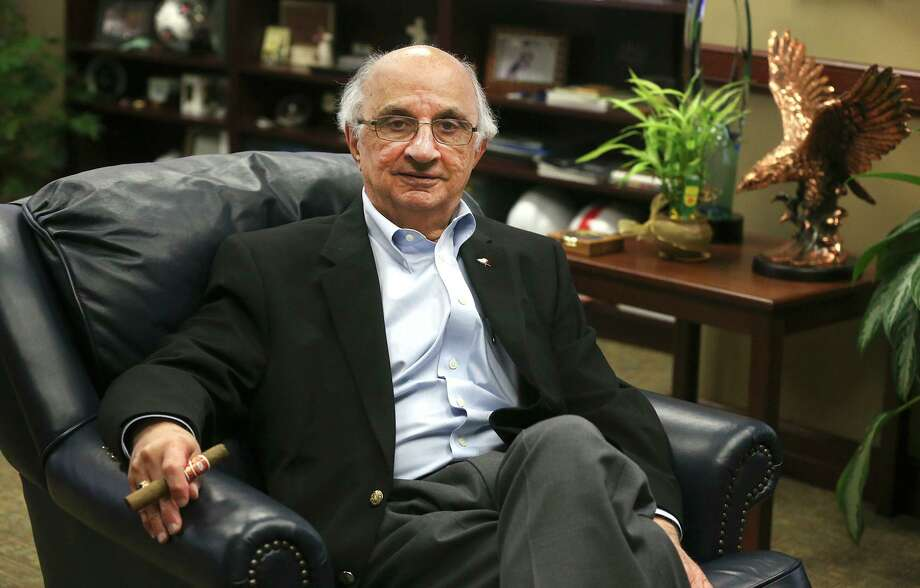 Businessman Harvey Najim is one of San Antonio's greatest philanthropists, but giving takes many forms. Small donations and volunteer work reflect sacrifice and a desire to improve the lots of others. We all can be philanthropists. Photo: John Davenport /San Antonio Express-News / ©John Davenport/San Antonio Express-News