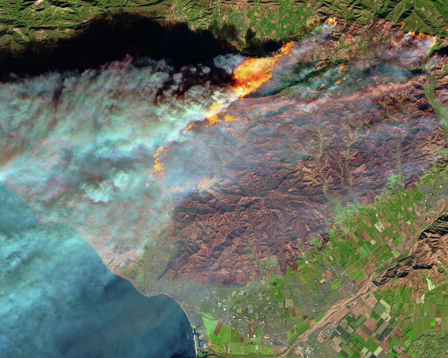 Dramatic NASA photos show the Southern California wildfires from space during the week of Dec. 3, 2017. Photo: NASA