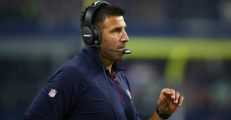 Texans defensive coordinator Mike Vrabel interviewed for the Lions' head coaching position on Wednesday. Photo: Ronald Martinez/Getty Images