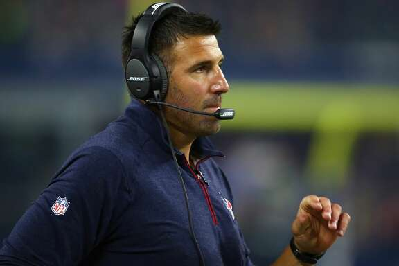 ARLINGTON, TX - SEPTEMBER 03:  Assistant coach, Mike Vrabel of the Houston Texans during a preseason game on September 3, 2015 in Arlington, Texas.  (Photo by Ronald Martinez/Getty Images)