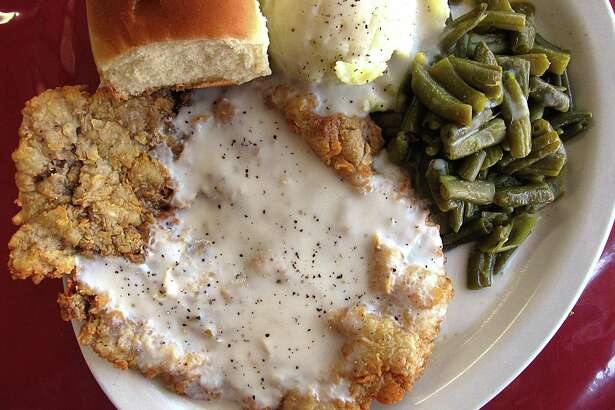 Chicken-fried steak with cream gravy, mashed potatoes and green beans from Peter El Norteño.