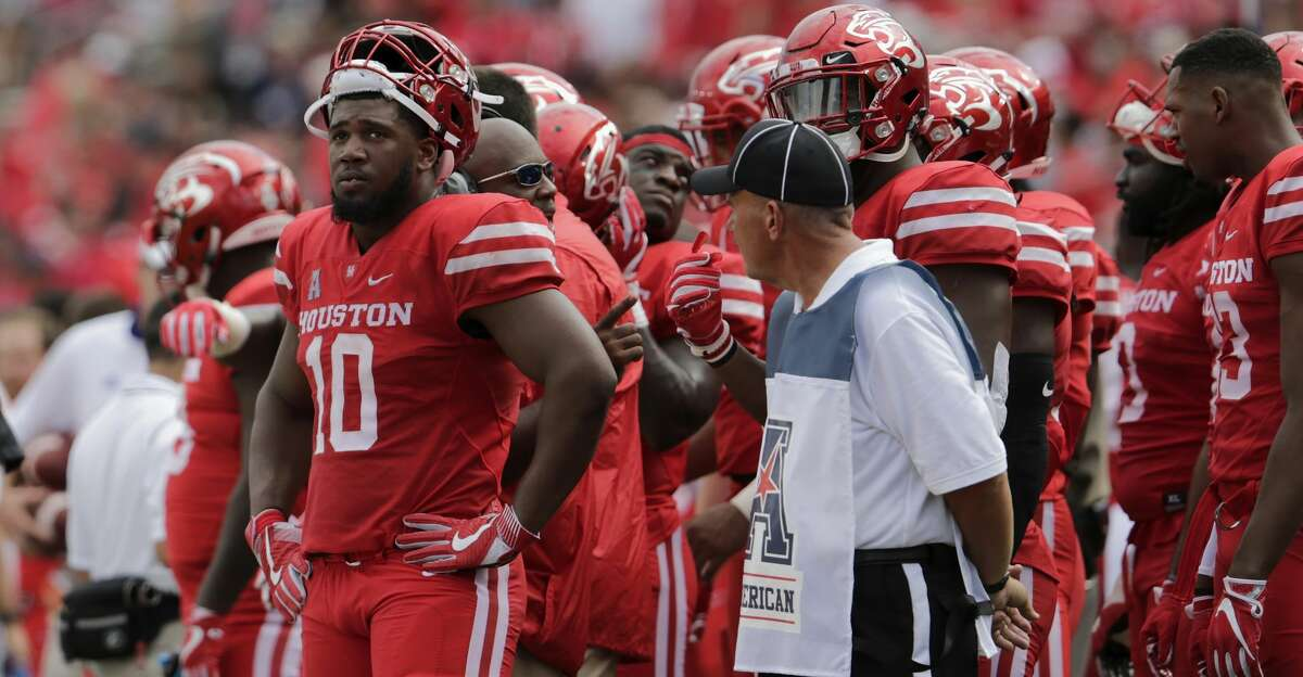 HOUSTON, TX - NOVEMBER 04: Ed Oliver #10 of the Houston Cougars reacts on the sideline during the fourth quarter against the East Carolina Pirates at TDECU Stadium on November 4, 2017 in Houston, Texas. (Photo by Tim Warner/Getty Images)