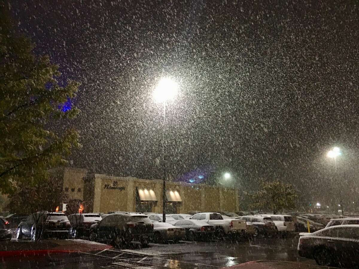 San Antonians shared their photos of snow Dec. 7, 2017.