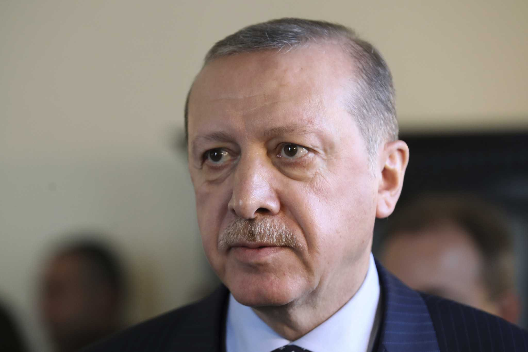 Oil slips as emerging-market fears escalate amid Turkey crisis