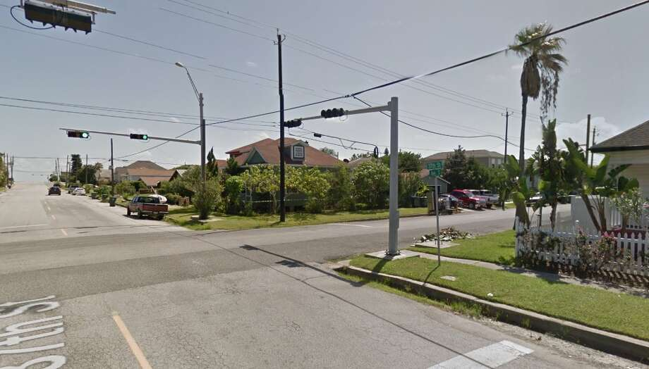 A child was found wandering alone in wintry weather on Friday, Dec. 8 at the intersection of Ave. S and 37th Street in Galveston.   Photo: Google Earth