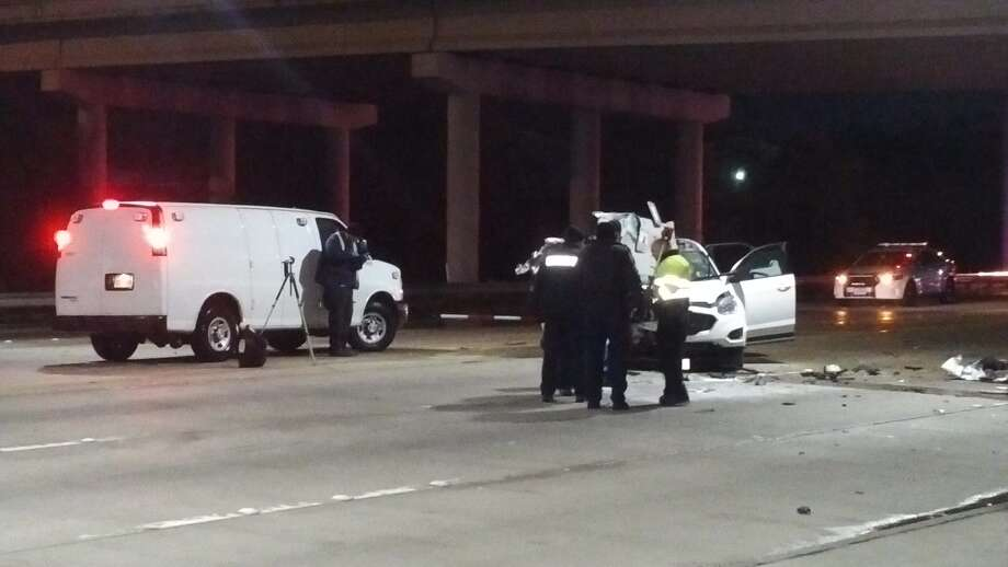This is the second time a fatal crash occurred this week near the intersection of Beaumont Highway and the East Sam Houston Tollway feeder road, police said. (Metro Video)