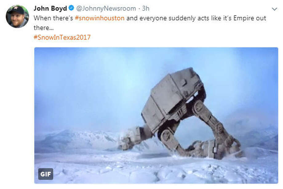 Snow has fallen in Houston and people are reacting with photos and hilarious memes on Twitter. Photo: Twitter