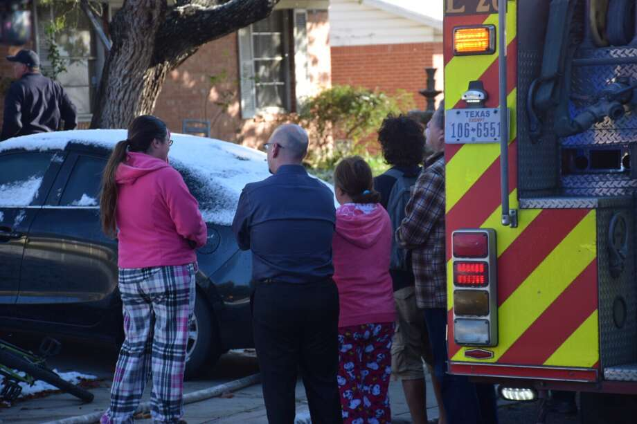 A San Antonio family lost a bird, cat and dog Friday morning in a house fire on the West Side. Photo: Caleb Downs / San Antonio Express-News