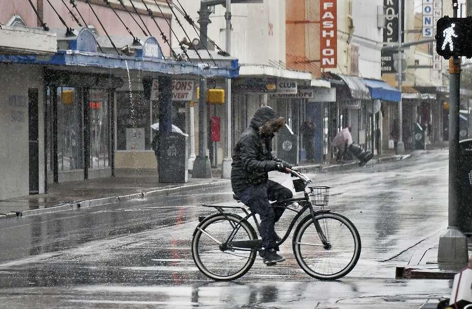 El plan es Visión Cero, un proyecto de seguridad vial que comenzó en Suecia hace más de 20 años y que desde entonces ha sido adoptado por ciudades de los Estados Unidos. Photo: Cuate Santos /Laredo Morning Times / Laredo Morning Times